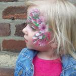 Face painting - flowers